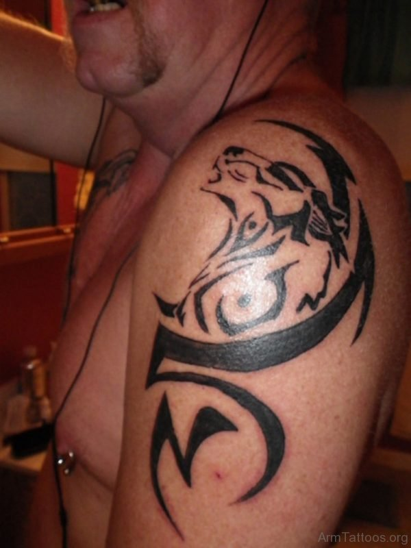 Tribal Wolf Shoulder Tattoo 4