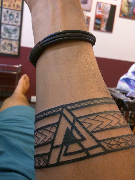 35+ Viking Tattoo Designs and Inspirations - Tats 'n' Rings Vegvisir Tattoo
