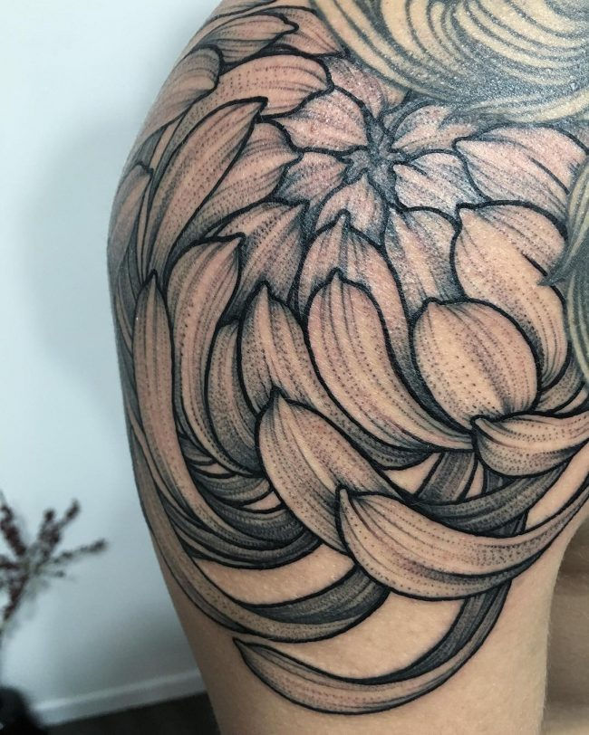 Chrysathemum petals shoulder tattoo