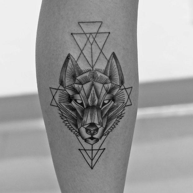 Men Wolf Tattoo geometric