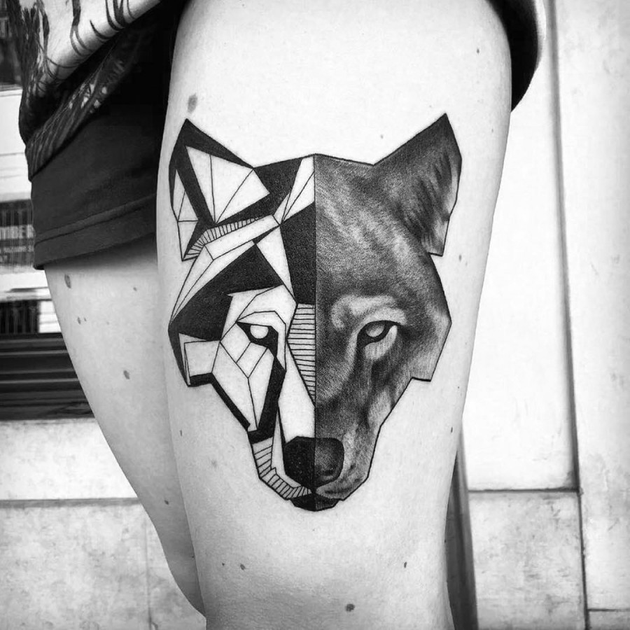 Women Wolf Tattoo Low Poly Thigh