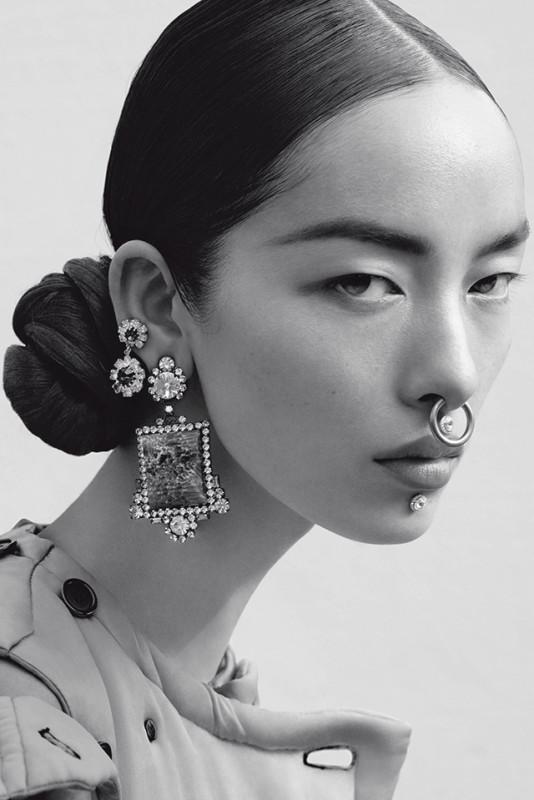 elegant septum piercing