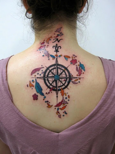 women compass tatoo back 2