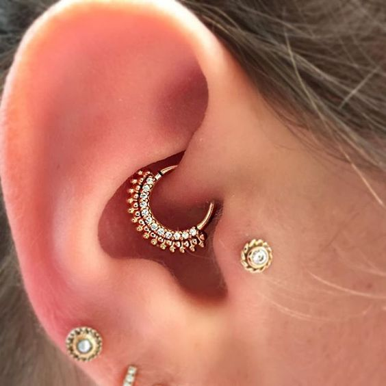 beautiful jewelry for tragus piercing