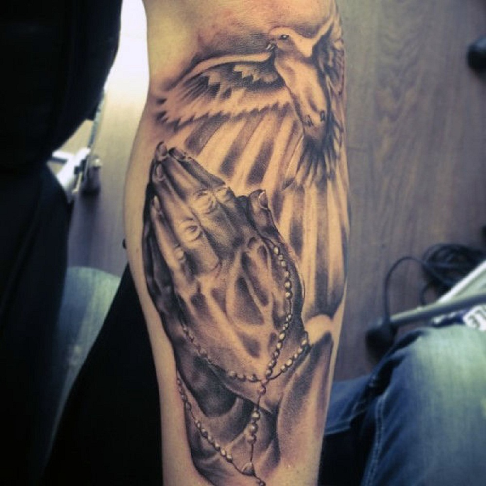 40 Best Praying Hands Tattoos On The Internet Tats N Rings