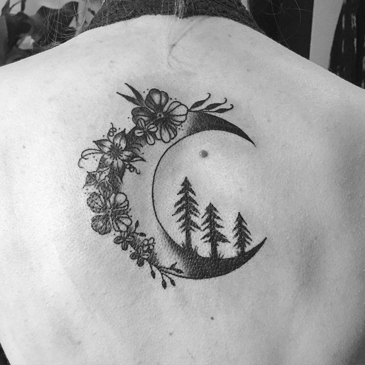 women moon tattoo 6