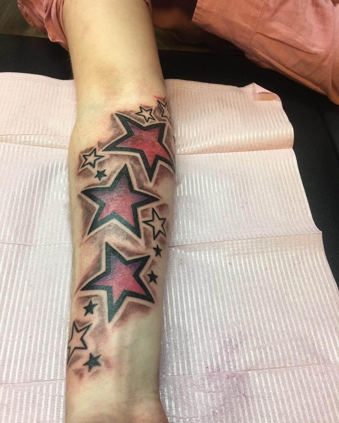 neotraditional star tattoo 1