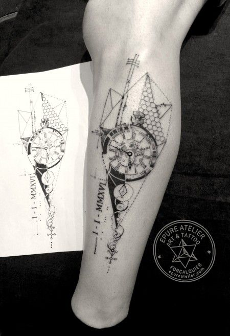 Geometric-Tattoo-Clock-tattoo.-Epure-atelier-Forcalquier-France-Tattoo-artist-Marie-Roura-Plus.jpg