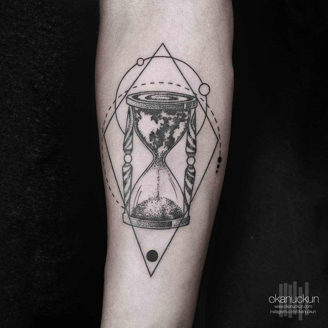 Sand-Clock-Tattoo-by-Okanuckun.jpg